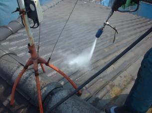 2.水洗い・下地補修