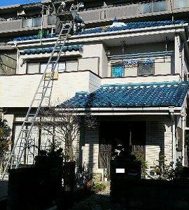 事例③ 陶器瓦から、瓦の形をした金属屋根に改修(屋根の軽量化)